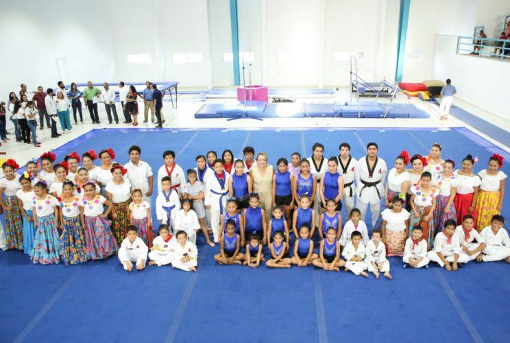 En-Quintana-Roo-Juntos-Avanzamos-en-la-form-744x500.jpg
